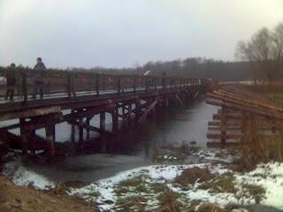 Некоторые фото с поездки в монастырь: мост через Нёман