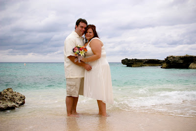 Warm Breezes, Palm Trees and Quiet Beach for 10th Year Vow Renewal in Cayman - image 6
