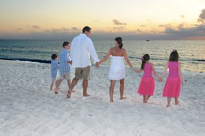 Family Wedding Vow Renewal for New Yorkers in Cayman - image 10
