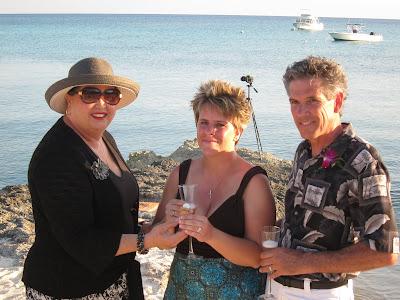 Cayman Island Pier Wedding for Illinois Pair -image 8