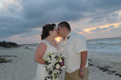 Sunset 'Cayman Sands' Wedding and Unity Sand Ceremony for Ohio couple - image 12