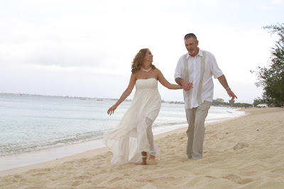 Texans Celebrate Silver Wedding Anniversary in Grand Cayman - image 7