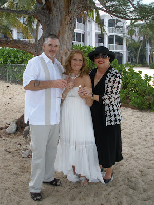 Texans Celebrate Silver Wedding Anniversary in Grand Cayman - image 5