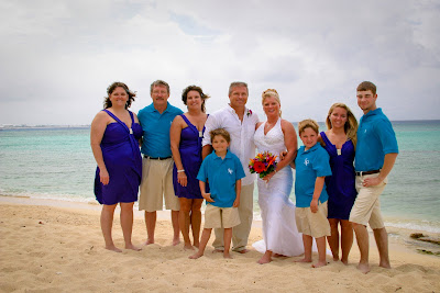 Showers didn't stop this Cayman Island Wedding - image 7