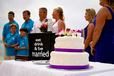 Showers didn't stop this Cayman Island Wedding - image 1