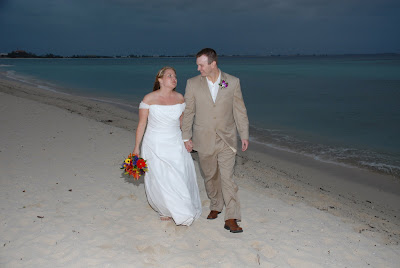 Scottsdale Couple Make the Most of a Grand Cayman Wedding! - image 6