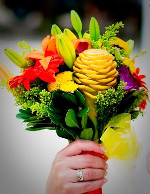 http://4.bp.blogspot.com/_Z7C9hDV4TU4/SW-4r5zD-JI/AAAAAAAABUI/rMwZTB05uno/s400/Melanie+&+Jason%27s+Wedding-bouquet+2.jpg