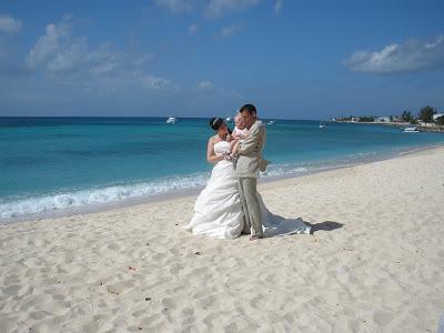 Cayman Cruise Wedding for British Couple - image 7