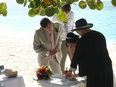 Cayman Cruise Wedding for British Couple - image 5