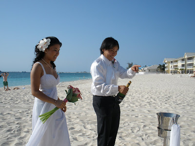 Grand Cayman Marriott Beach Wedding for Residents - image 5