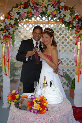 Colourful Cayman Wedding for Trinidadian Visitors - image 3