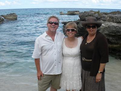 Simple Cayman Beach Wedding for Cruise Ship passengers - image 3