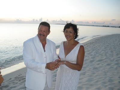 Encore Wedding, Seven Mile Beach, Grand Cayman - image 2