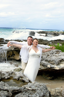 Fantastic Cayman Photography for German Couple's Beach Wedding - image 10