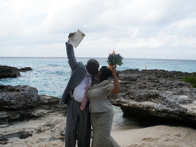 Chicago Couple Celebrates New Year Cayman Islands Wedding - image 8