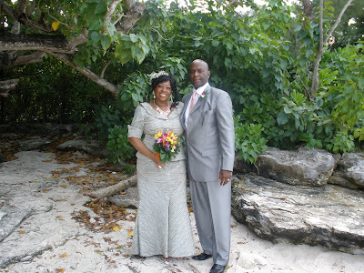 Chicago Couple Celebrates New Year Cayman Islands Wedding - image 6