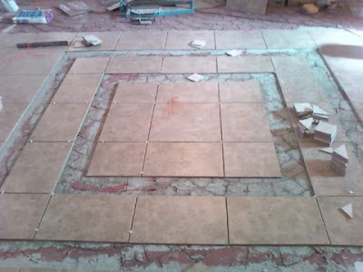 Bathroom Floor Tile Ideas on Picture Shows The Two Frames Of Straight Ceramic Tile I Installed