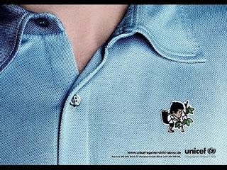 Campanha da UNICEF contra trabalho infantil. UNICEF and child job. Camisa fabricada por crianças.