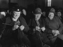 Jolly Ladies Knitting