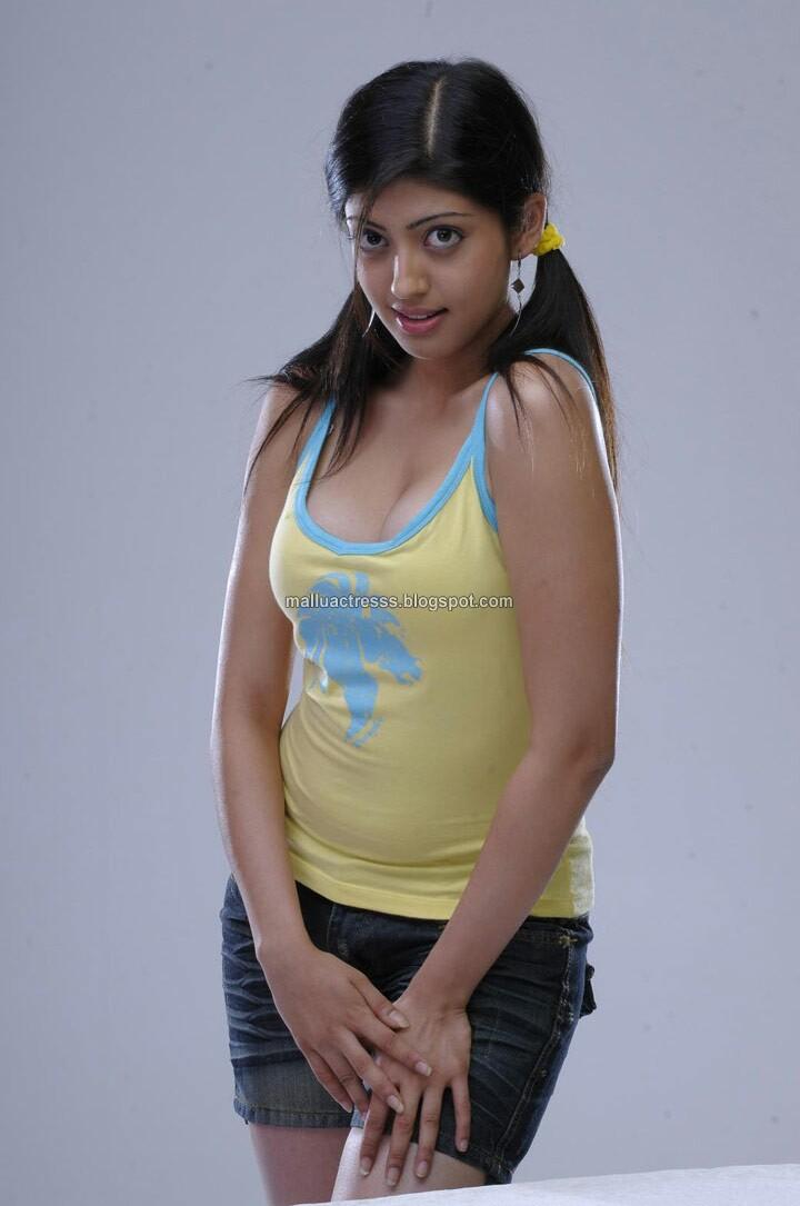 malayalam actress actress parnitha hot photo gallery