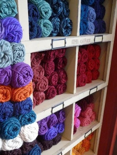 close knit: Brown Sheep Yarns and a Free Cowl Pattern