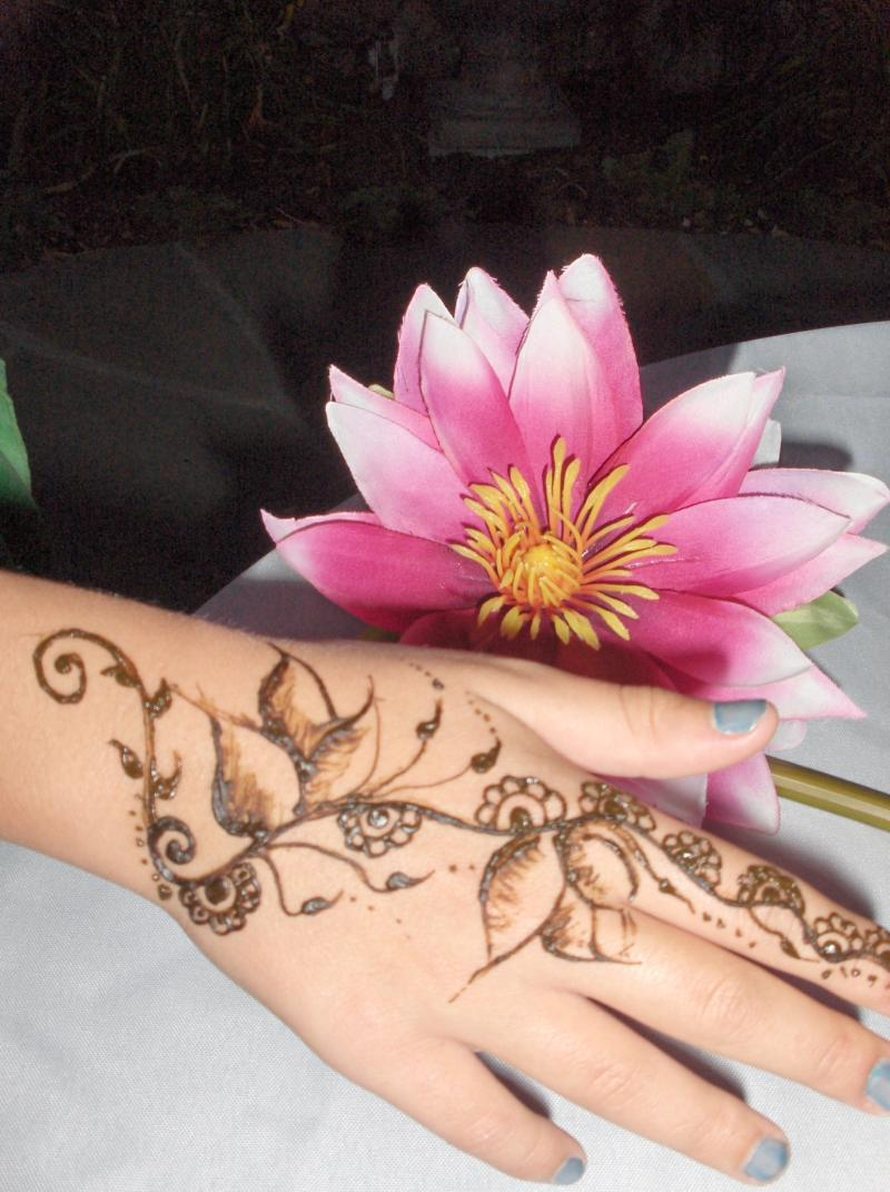 Henna Flower Tattoo Picture 5