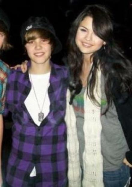 Selena Gomez and Justin Bieber Dating Justin and Selena Gomez Singing