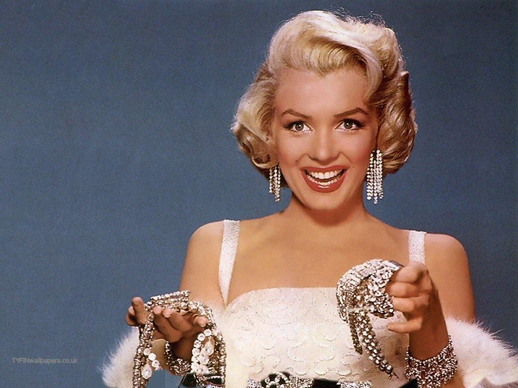 http://4.bp.blogspot.com/_ZF6VMRwEzRA/TEa7gB0XwII/AAAAAAAABBk/7zgZ0wWzeqo/s1600/Marilyn-Monroe-auction.jpg