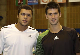 Jo-Wilfried Tsonga defeats Novak Djokovic