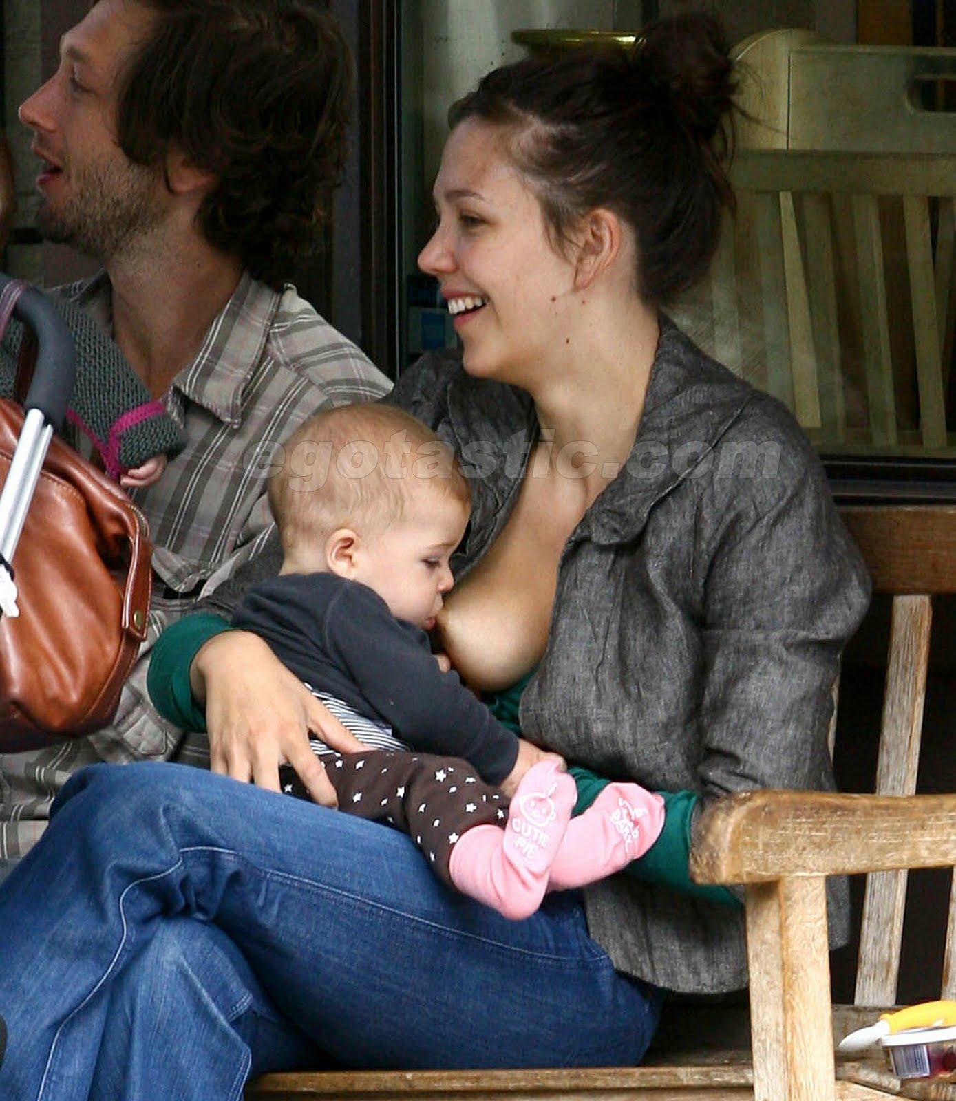 http://4.bp.blogspot.com/_ZGMGKEJZRsU/S9yXynmbRkI/AAAAAAAAAy4/kJwml7RInY0/s1600/maggie-gyllenhaal-breast-feeding-01.jpg