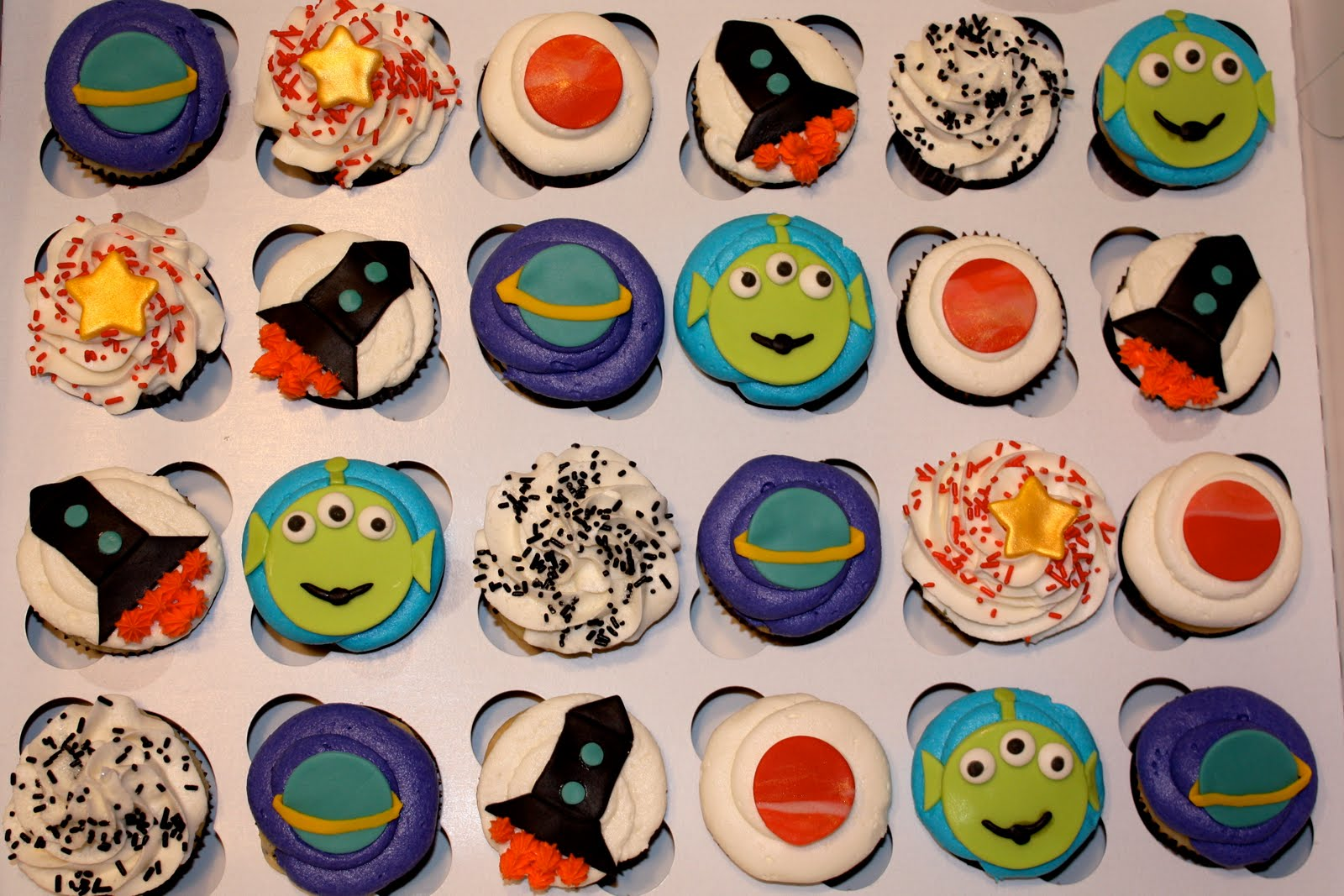 Bumble Cakes Buzz Lightyear Cupcakes And Cake