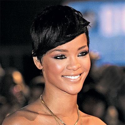  Short Emo hairstyle: Rihanna 
