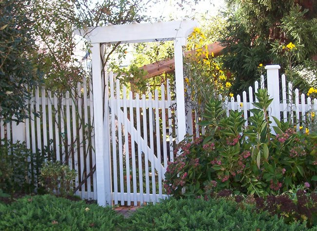Garden Gates Design Pictures : Preppy player by the garden gate