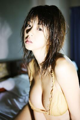 Aki Hoshino private album pics