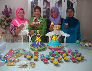 www.loveliana-online.blogspot.com: Kelas Intensive Fullcake decorating