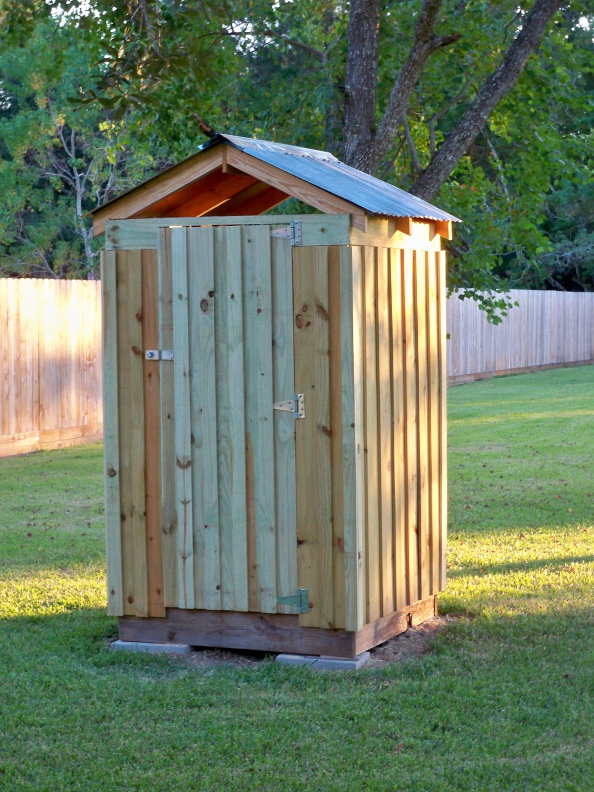 Inveterate Diy R Outhouse