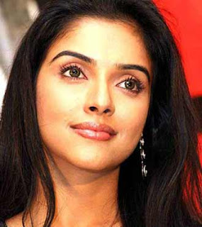 Bollywood siren Asin's charity work for girl education
