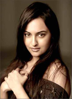 Bollywood Actress Sonakshi Sinha goes western chic for Nari's show