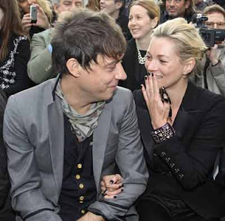 Kate Moss has not married Jamie Hince