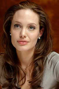 Angelina Jolie finds Brad Pitt sexy