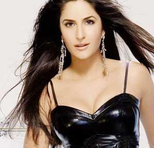 Katrina Kaif 'Sheila Ki Jawani' brings crowds to TMK