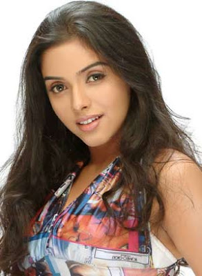 Tamil Actress Asin Wallpapers