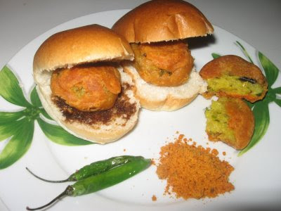 Vegetarian Cooking: ~ Vada Pav Recipe ~ - Blogspot.com