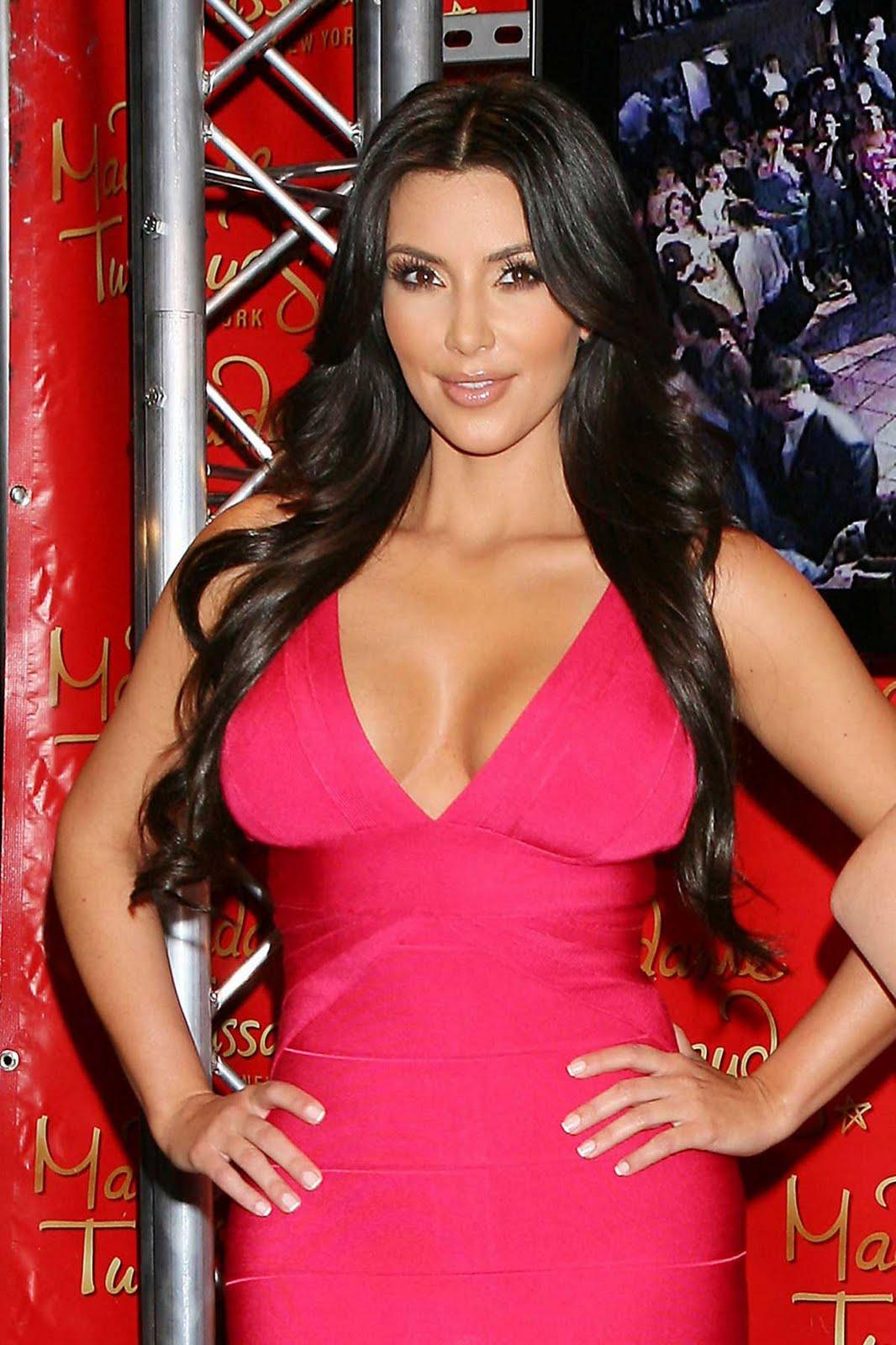 http://4.bp.blogspot.com/_ZRj5nlc3sp8/TC2779J1yOI/AAAAAAAAKvo/jJ6-MEkUc2c/s1600/Kim+Kardashian+Gets+Waxed+1.jpg