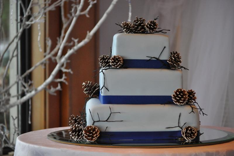 PEACH OF CAKE: Kali and Kyle's Pinecone Wedding Cake