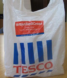 http://4.bp.blogspot.com/_ZSDetY9RxAQ/SRFniRz7RcI/AAAAAAAAAAk/woHNyhYYlEs/s320/tesco+bag.JPG