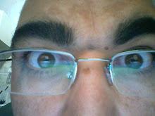 Estou de olho no mundo.