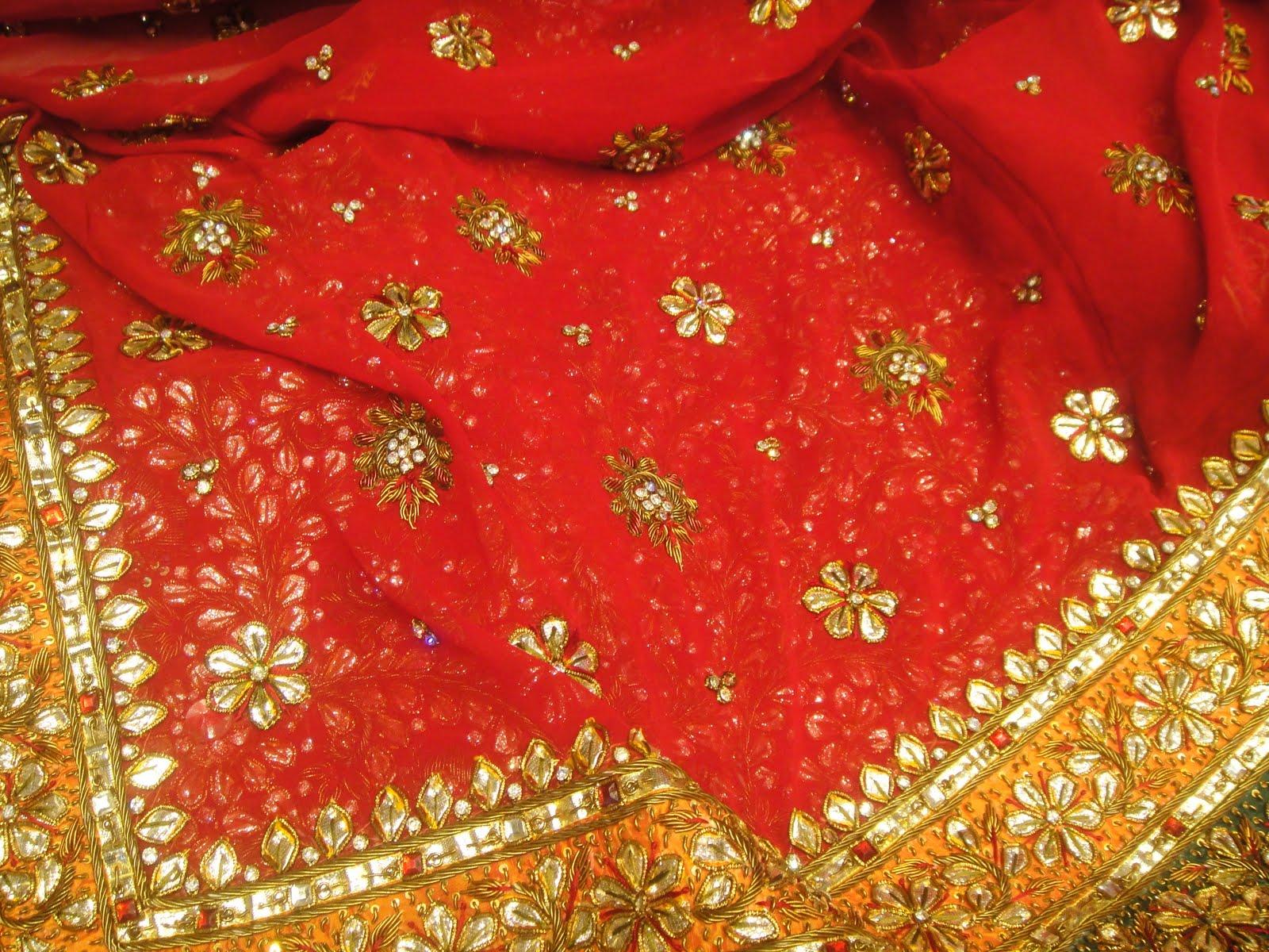 http://4.bp.blogspot.com/_ZToJHY_SMB0/TFqyAzxobfI/AAAAAAAAABQ/XXgYgeQ-sAE/s1600/indian-wedding-sari.JPG