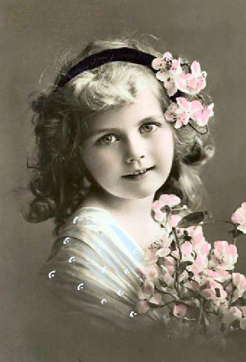 Cartes postales anciennes: Carte postale ancienne, petite fille