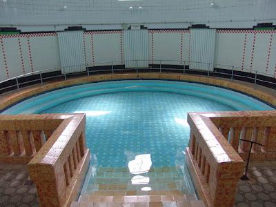 Вътре в Новата минерална баня